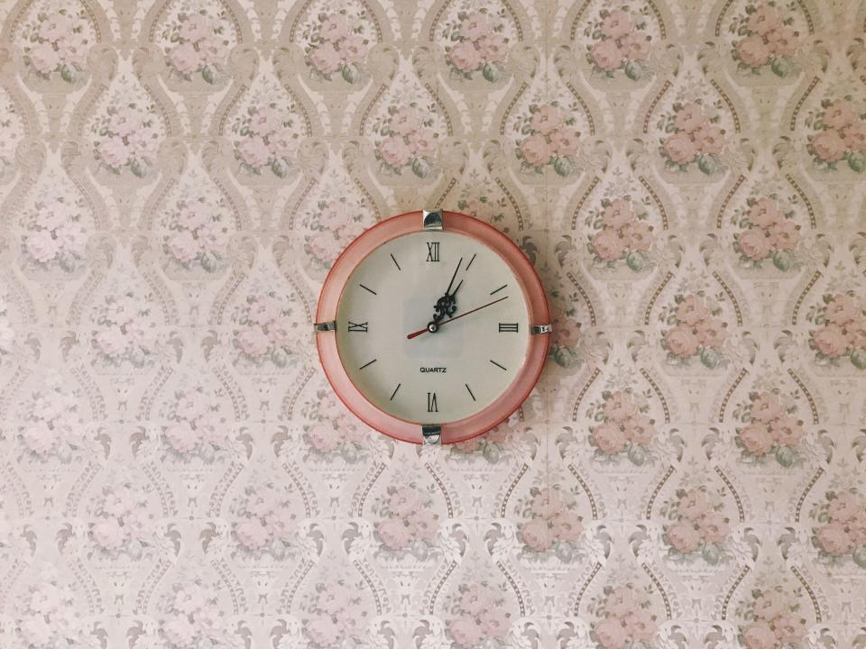 wall clock time circle art