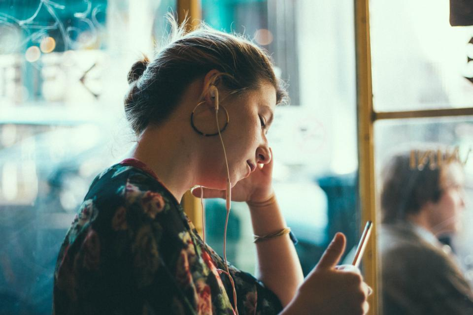 people, woman, girl, sad, mobile, phone, waiting, sound tripping