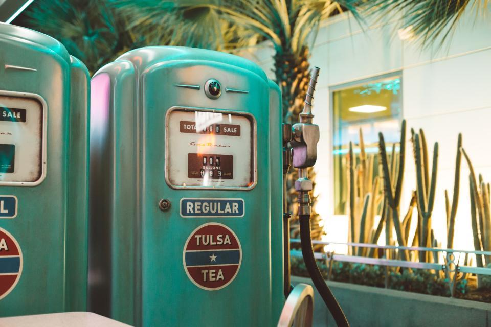 vendo, machine, sale, gas, station, price, gallons, oil