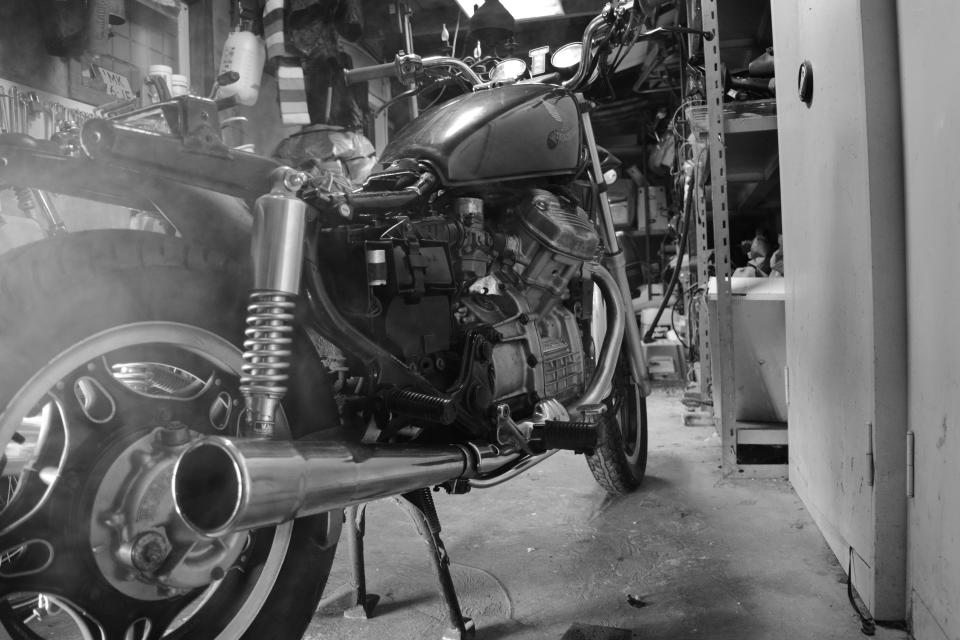 black and white, motorcycle, bike, park, door, engine, tires, machine, acceleration, gas, tank