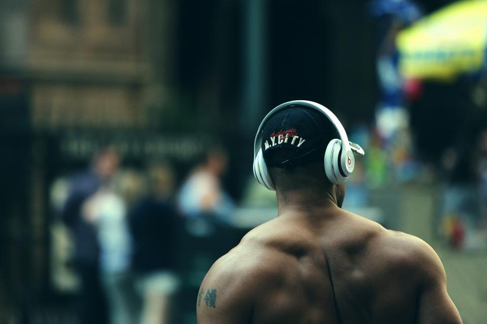 bodybuilder, muscles, fitness, weight lifting, training, exercise, man, guy, beats, headphones, city, people, lifestyle, health