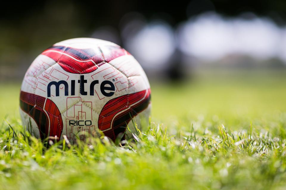 green, grass, field, lawn, ball, sport, bokeh, blur, outdoor