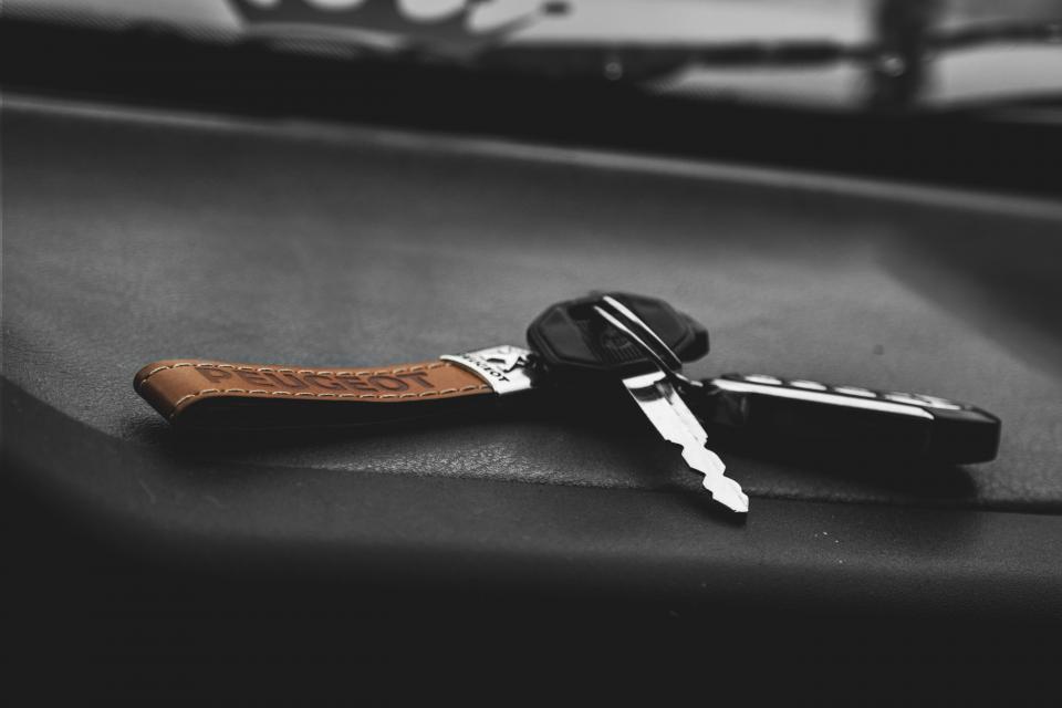 still, items, things, keys, keychain, lock, bokeh