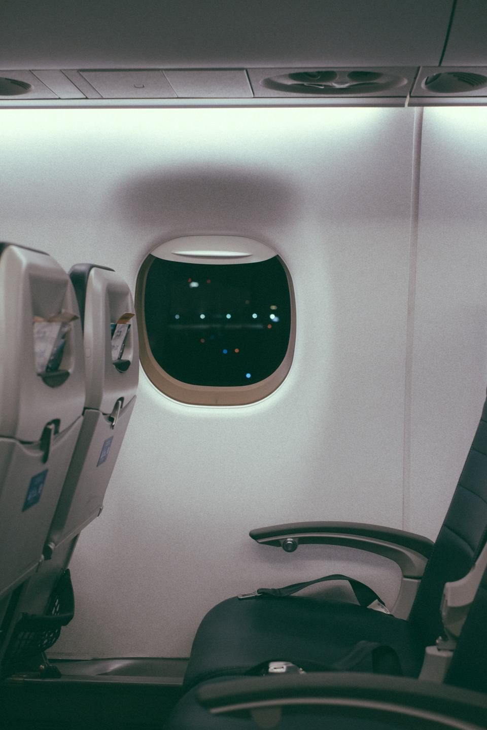inside, airplane, airline, travel, trip, seat, cabin, window, seatbelt