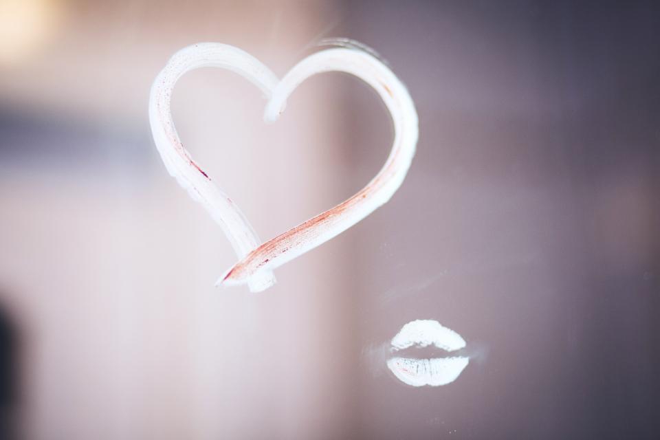 heart love lips lipstick mirror