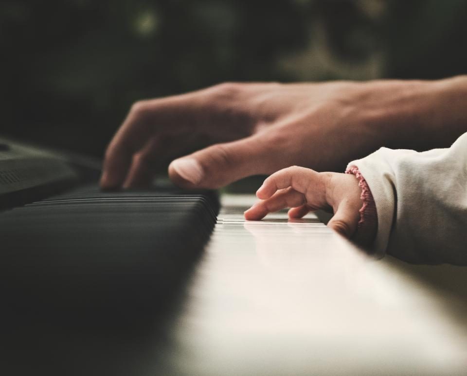 piano, keyboard, instrument, musical, instrument, musician, pianist, people, human, baby, hand