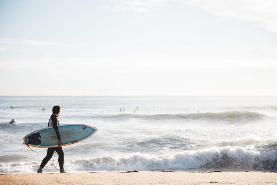 sea, ocean, water, waves, nature, horizon, seashore, coast, beach, white, sand, people, swimming, man, surfer, surfing, board, sports, adventure, sky, landscape, view
