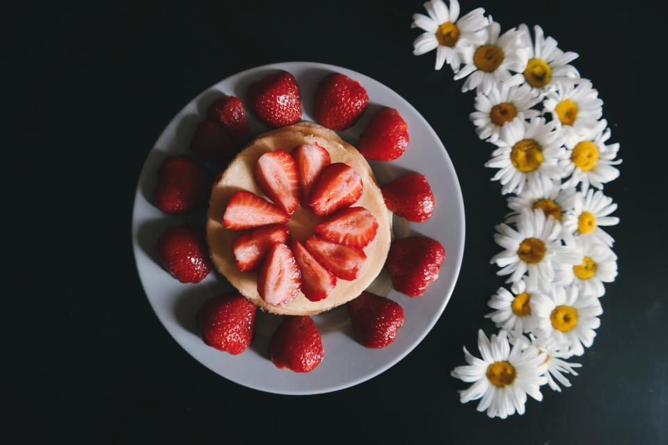 red, strawberry, dessert, fruit, pancake, pastry, breakfast, food, eat, seeds, flower, petals, plate, restaurant, presentation
