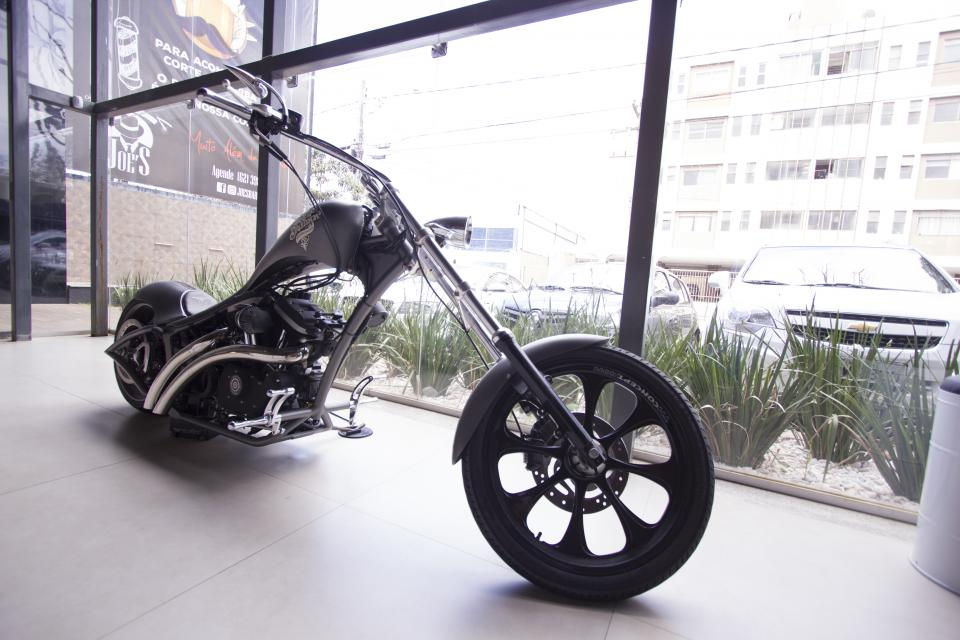 bike, wheels, display, glass, window, big, motorcycle, vehicle, building, plants, automobile, steel