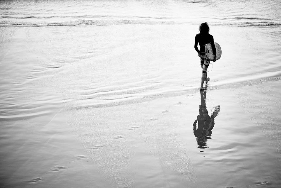 surfer, surfing, beach, walking, water, shore, black and white