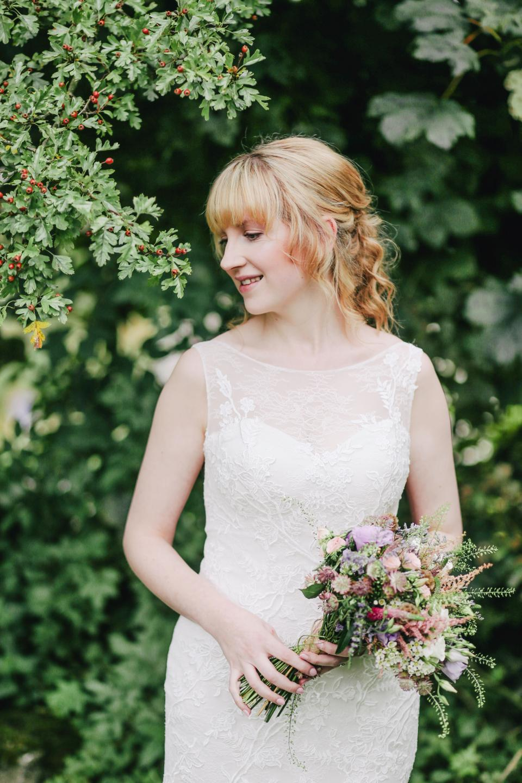 people, woman, girl, bride, white, dress, wedding, bouquet, flower, blur