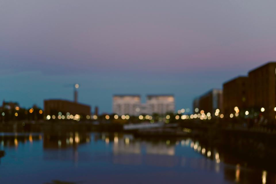 architecture building infrastructure blur bokeh water rerflection city urban