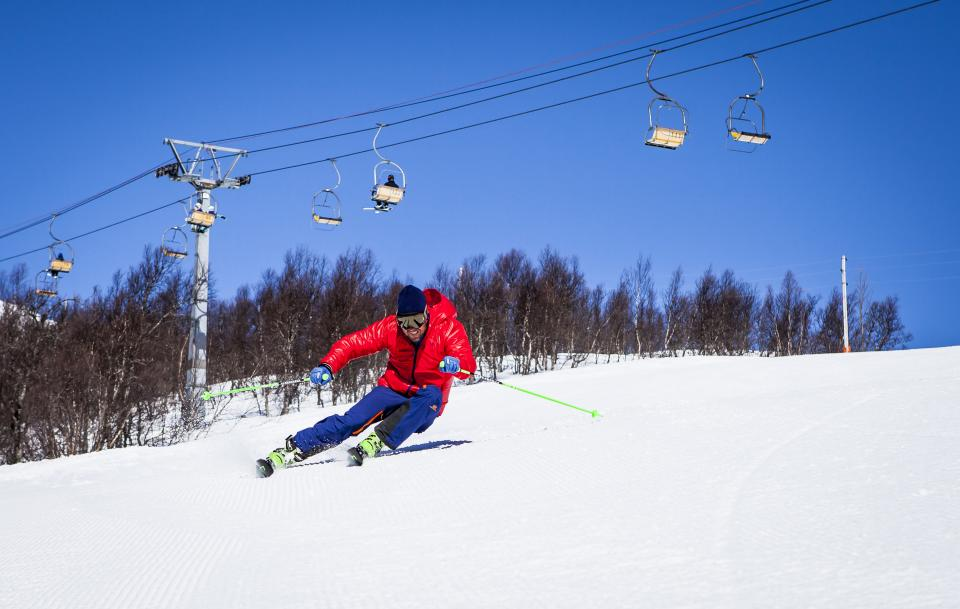 snow winter white cold weather ice trees plants nature ski glide sports fun hobby slope cable car