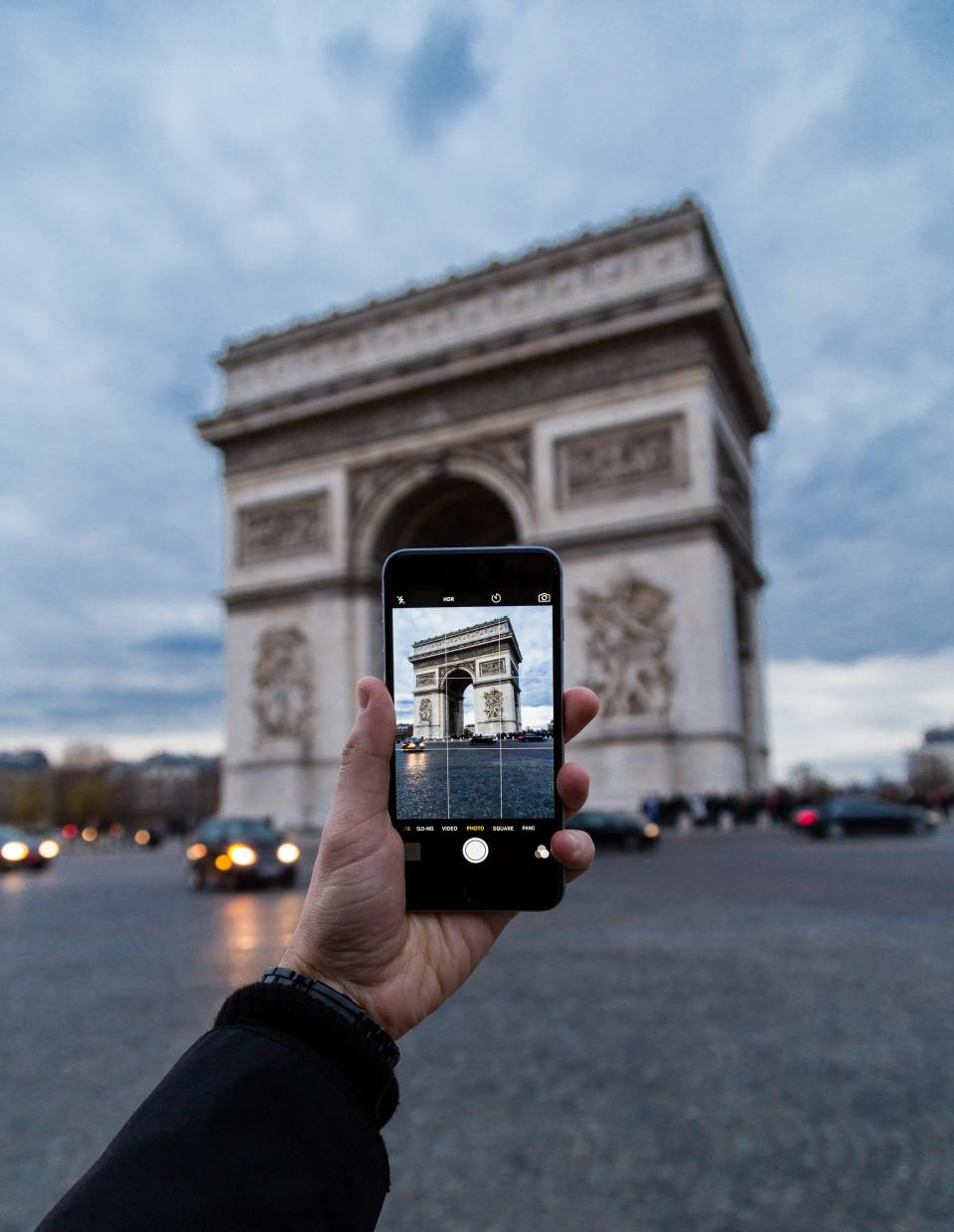 building, travel, hand, ca, vehicle, mobile, phone, camera, photography, hand, touchscreen, arch de triomphe, monument, paris