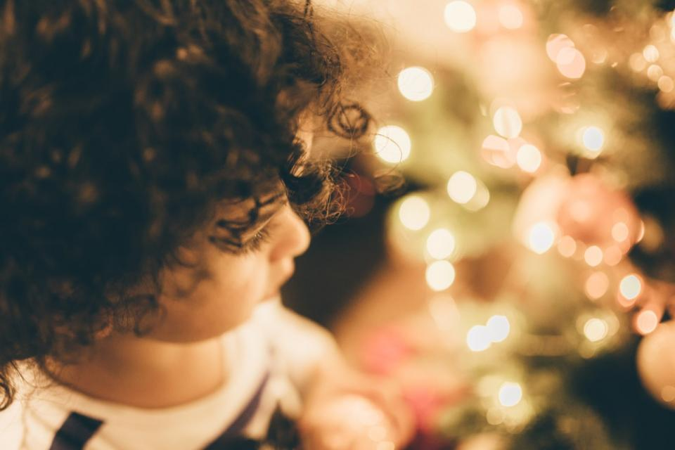 kid child baby christmas lights blur bokeh