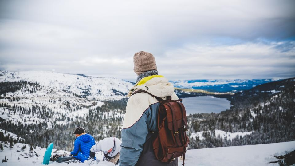 people, men, woman, hiking, climbing, mountain, landscape, nature, travel, adventure, outdoor, camping, winter, snow, sky, clouds