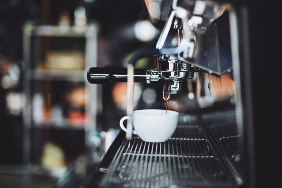 coffee, cafe, wood, hot, mug, cup, white, coffeemaker, shop, restaurant