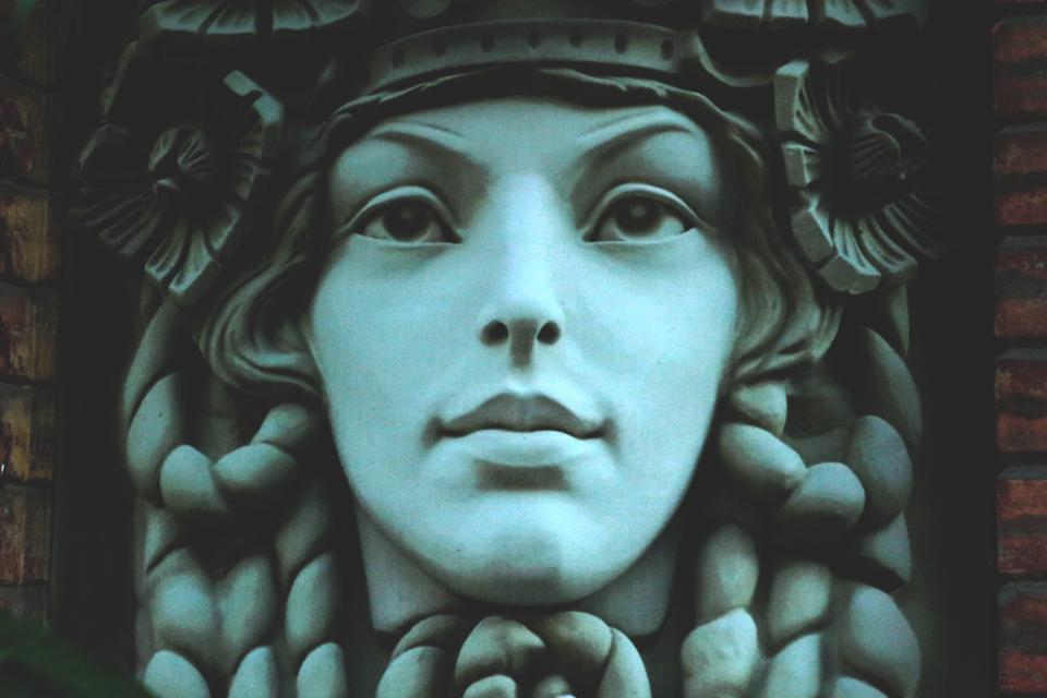 statue face antiquity art sculpture woman girl