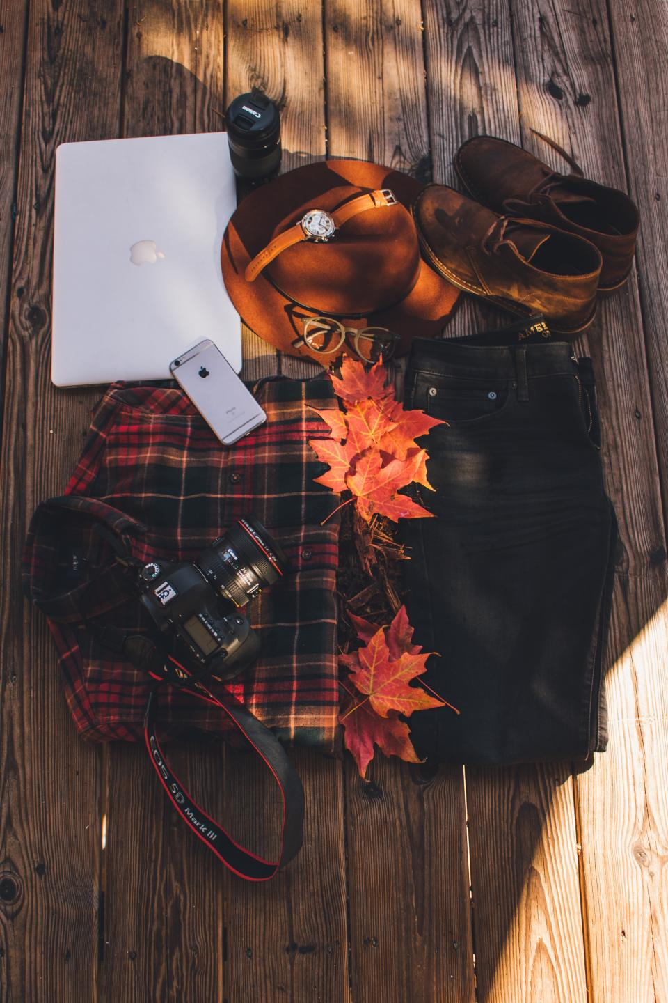 iphone laptop computer ipad camera jeans blouse hat cap watch shoes lens leaf autumn business work sunlight photography