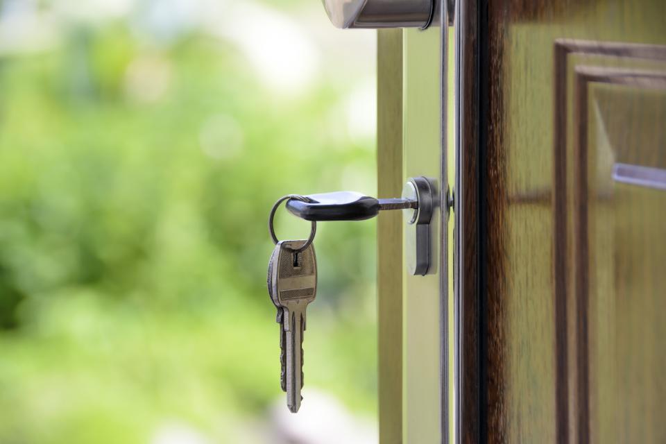 keys, door, door knob, house, home, wood, lock