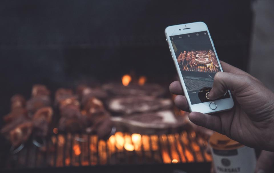 pork, barbecue, grill, fire, flame, cook, food, viand, dish, smoke, camera, smartphone, photography, blur