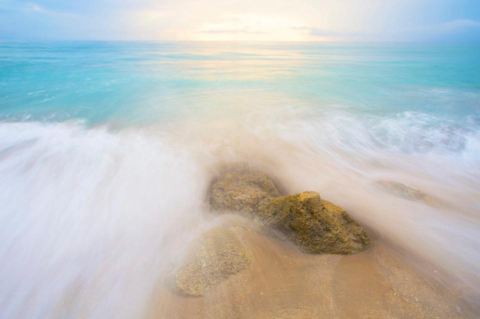 sea ocean water waves nature beach coast shore summer sunny day travel outdoor view