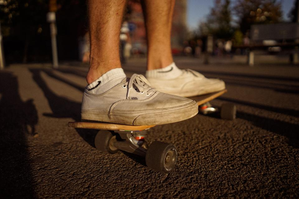 vans, skate, skateboard, mean, people, foot, shoes, feet, white, sports